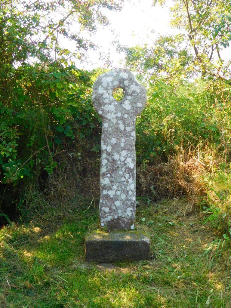 Cross Na Naghan Holestone
